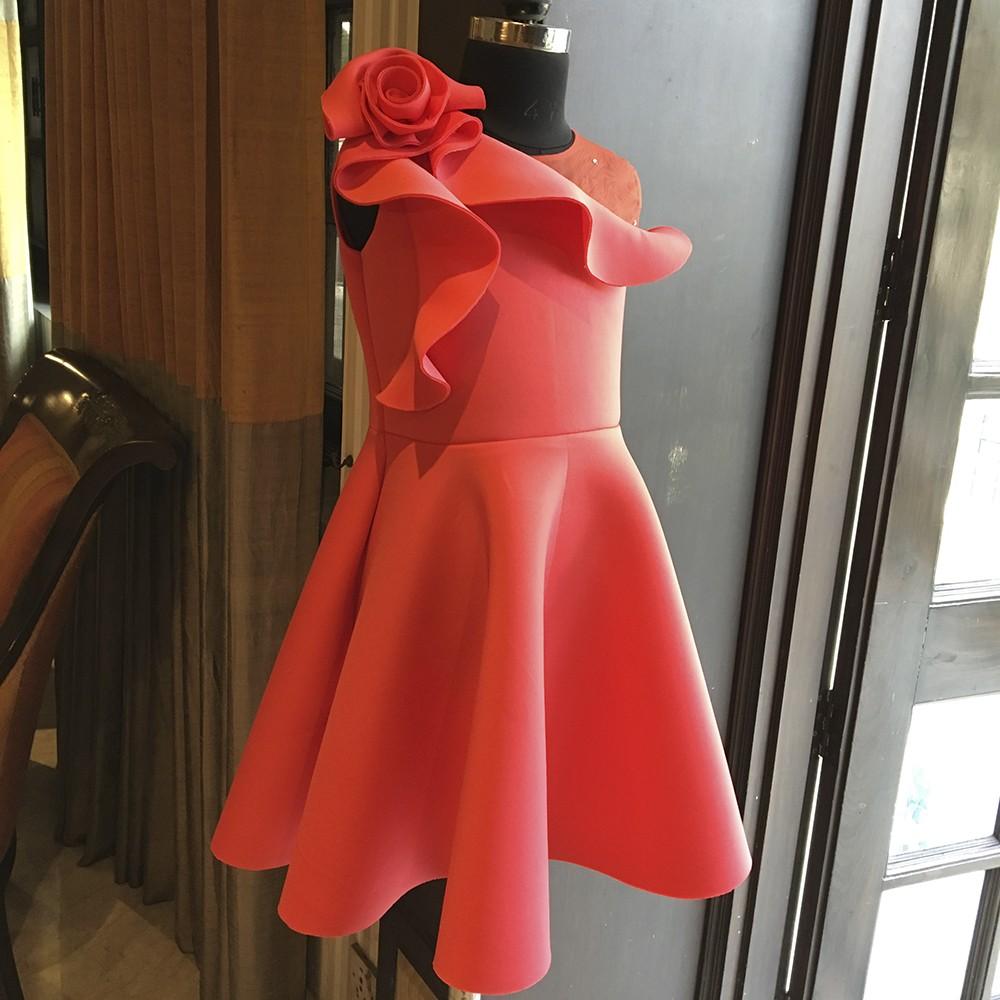Raspberry one rose shoulder frill dress
